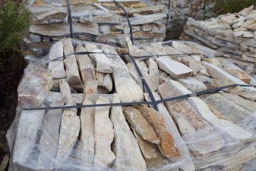 Fâșii din piatră naturală